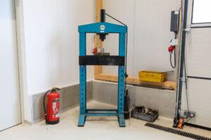 Press Werkstattpress Hydraulisch Mieten in Mietwerkstatt hallbergmoos