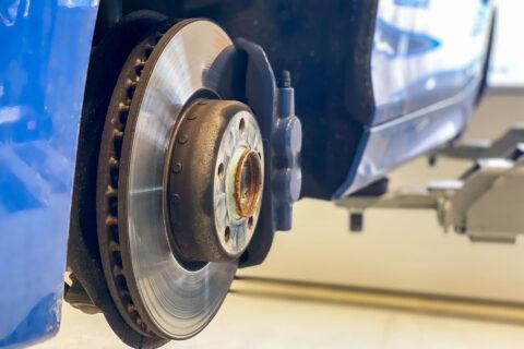 Bremsenservice in Hallbergmoos Bremsscheiben und Bremsklötze