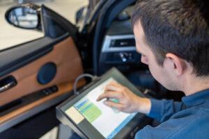 Kundendienst Inspektion und Wartung fürs KFZ in Hallbergmoos